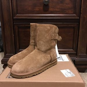 Brand new brown UGGS